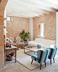 60 идей средиземноморского стиля в интерьере – праздник каждый день (фото) http://happymodern.ru/sredizemnomorskijj-stil/ Обилие камня в интерьере явный признак средиземноморского стиля