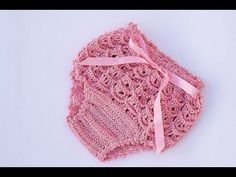 Best 12 Our Crochet Channel today is going to share a collection of Crochet pants for girls. This Crochet Pants is for a newborn /baby – 1 year. Baby Girl Crochet, Crochet Baby Clothes, Crochet For Kids, Lidia Crochet Tricot, Diaper Cover Pattern, Crochet Pants, Booties Crochet, Crochet Dresses, Girls In Panties
