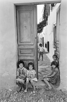 Vintage Photography from Greece Greece Photography, Vintage Photography, Street Photography, Vintage Pictures, Old Pictures, Old Photos, Greece Pictures, Greek History, Beautiful Streets