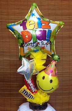 Arreglo de globo y chocolates, hecho por Manos Creativas Gt búscanos en Facebook Liquor Bouquet, Candy Bouquet, Balloon Bouquet, Troll Party, Weird Gifts, Balloon Gift, Birthday Candy, Kids Store, Candy Shop