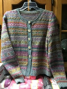 Ravelry project gallery for orkney pattern by marie wallin fairisle knitting patterns charts are those charts as the guidance to create the knitting piece with the fair isle idea fair isle has many demands no knittingpattern Fair Isle Knitting Patterns, Sweater Knitting Patterns, Knitting Designs, Knitting Stitches, Knitting Tutorials, Motif Fair Isle, Fair Isle Pattern, Rowan Knitting, Free Knitting