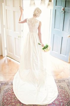 beautiful back view! Glass Jar Photography ,  A Southern Affair Events ,  field ,  Fall ,  Real Wedding ,   ,  bride ,