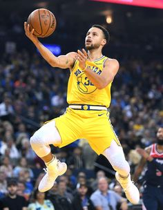 Warriors' Stephen Curry scores 51 in win over Wizards Stephen Curry Basketball, Nba Stephen Curry, Mvp Basketball, Warriors Stephen Curry, Basketball Pictures, Golden State Warriors, Steph Curry Wallpapers, Curry Nba, Cycling For Beginners