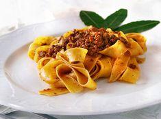 Tagliatelle al ragù, italian cuisine