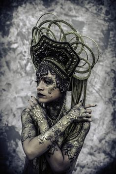 Photography & Bodypaint: Michael Rosner Model: Artist KLA Headpiece: Miss G Designs HMUA: Yuma Bastet  #headdress #headpiece #crown #bodypaint #bodyart #MissGDesigns