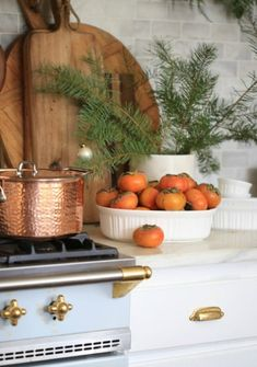 French Country Kitchens, French Kitchen, French Country Cottage, Cottage Style, Country Charm, Country Farmhouse, Country Style, Farmhouse Decor, Copper Kitchen Accents
