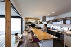 三条町の家 | ソラマド写真集 Kitchen Interior, Home Interior Design, Kitchen Design, Cozy Kitchen, Kitchen Sets, Minimalist Kitchen, Kitchen Organization, My Dream Home, Sweet Home