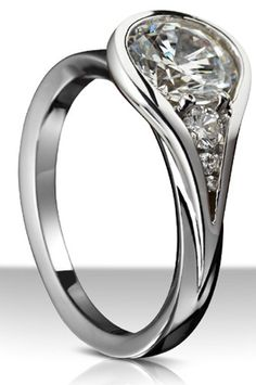 Sholdt's Twisp collection diamond engagement ring