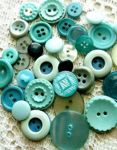 Vintage turquoise, teal and aqua buttons