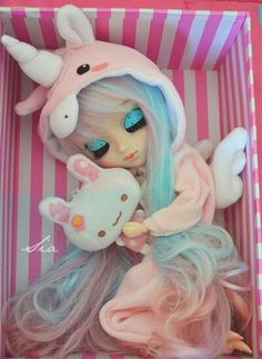 Unicorn pullip jumper in a cute striped box
