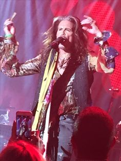 Liv Tyler 90s, Steven Tyler Aerosmith, My Favorite Things, Cars, Concert, Amazing, Sweet, Candy, Autos