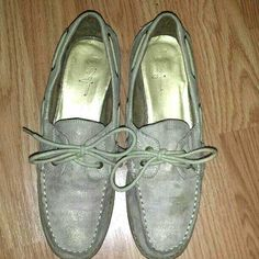 Size: 7 Brand: FOREVER 21 GUC had their share of wears but still in good condition and ready to be worn again! Gold iridescent over Tan Loafers. Has a tie closure after slip on shoes. Half inch heel made of wood. Very comfy shoes!