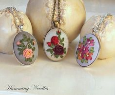 Wonderful Ribbon Embroidery Flowers by Hand Ideas. Enchanting Ribbon Embroidery Flowers by Hand Ideas. Ribbon Embroidery Tutorial, Silk Ribbon Embroidery, Hand Embroidery, Learn Embroidery, Embroidery For Beginners, Embroidery Patterns, Ribbon Art, Ribbon Crafts, Embroidery Boutique