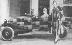 Citroën 5 HP Type C by Sonia Delauny (Sonia Delaunay, née Sophie Stern ou bien Sara Illinichtna Stern, 1885-1979, est une artiste peintre,  naturalisée française d'origine ukrainienne)