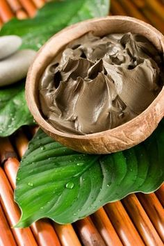 Deep Cleansing Mud Masque.