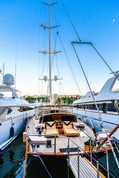 Luxury Boat Cruises with crew for up to 12 persons in Mediterranean Riviera Www.yachtboutique.eu Gulet guletvictoria guletcruise guletholiday guletvacation caicco crocieraincaicco goleta goleta crucero goélette Croisières guletcruiseitaly caiccofrancia caicco-crociera-lusso-sardegna-italia island hopping with guletvictoria. Goolet Victoria Italy and France. Gullet Corsica and Sardinia. Luxe meezeil Cabin Gulet vakantie. Vakantiehuizen en drijvende hotels. Floating Hotel Gulet Victoria. YACHT