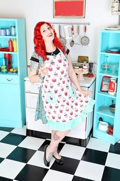 Cindy's Cupcake Galore Apron.   Matching Kids Apron, Tea Towel and Pot Holder available. www.sierrarose.com.au Retro Apron, Kids Apron, Tea Towels, Pot Holders, Cupcake, Design, Dish Towels, Hot Pads, Potholders