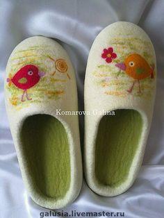 """Felted slippers Birdies Обувь ручной работы. Ярмарка Мастеров - ручная работа женские тапочки """"Птички"""". Handmade."""