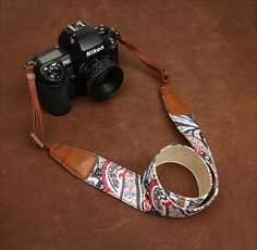 Light Cowboy Flower Nikon /Cannon /Sony Handmade Leather Camera Strap in Brown 7144-7145