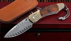 William Henry Exclusive Prairie Ranch Damascus, Ironwood and Gold - William Henry Knives Unique Knives, Cool Knives, Knives And Tools, Knives And Swords, Damascus Blade, Damascus Knife, Damascus Steel, Engraved Knife, Hand Forged Knife