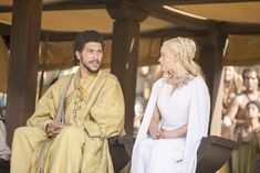 Hizdahr Zo Loraq (Joel Fry) and Daenerys Targaryen (Emilia Clarke) from Holy Mother of Dragons! All the Epic Game of Thrones Season 5 Moments Game Of Thrones Episodes, Game Of Thrones Costumes, Game Of Thrones Facts, Game Of Thrones Tv, Game Of Thrones Funny, Emilia Clarke, Joel Fry, Daenerys Targaryen, Dance Games