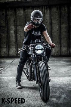 Royal Enfield custom cafe racer by K speed