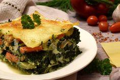Inaczej, bo bez sosu pomidorowego i bez beszamelu. Za to z dużą ilością warzyw, ze szpinakiem, łososiem oraz serkiem ricotta. Zwykle przygotowujemy tradycyjną mięsną lazanię (lasagne) lub taką ze szpinakiem, ale ta dzisiejsza również nam bardzo smakowała. Należy jednak pamiętać, by dobrze doprawić Spanakopita, Ricotta, Mozzarella, Ethnic Recipes, Lasagna