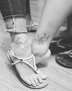 Small foot tattoos mother daughter feet tattoos – foot tattoos for women quotes Tattoos Bein, Paar Tattoos, Music Tattoos, Leg Tattoos, Rose Tattoos, Tatoos, Mommy Daughter Tattoos, Tattoos For Daughters, Mom Daughter