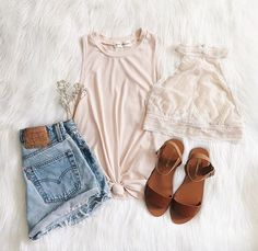 Such a cute casual outfit! When it comes to spring and summer time, it is crucial to find cute clothes that arent to heavy on your body! For some casual outfits and shoes visit www.blushandbashfulboutique.com we have new arrivals weekly!