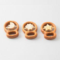 カタカタ(星)0歳児ゼロ歳児一歳児サクラさくら初めてのおもちゃ赤ちゃんあかちゃんなめる舐める安全亜麻二オイル振る動く中回る木のおもちゃ木工玩具木工