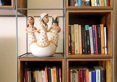 Módulo Trinca para sala de tv / biblioteca, com mesa de trabalho embutida, gavetas, caixas e prateleiras!