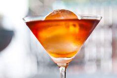 Video: Zo maak je 'big ice balls' voor cocktails