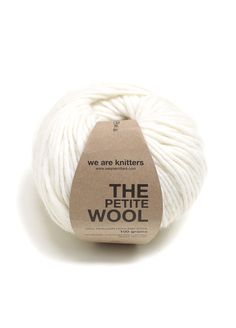 Pelotes et aiguilles Peru, Wool And The Gang, Types Of Fibres, Art Deco Paintings, Crochet Baby Cardigan, Knitting Help, Yarn Ball, Jute Bags, Stockinette