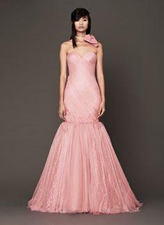 vestido de #noiva em rosa claro, da coleção outono 2014 de Vera Wang #casarcomgosto