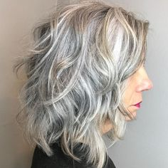 Medium Layered Gray Hairstyle Best Picture For wavy hair lob For Your Taste You are looking for some Grey Hair Styles For Women, Medium Hair Styles, Curly Hair Styles, Grey Curly Hair, Long Gray Hair, Grey Hair Haircut, Curly Bob, Thin Hair, Lilac Hair