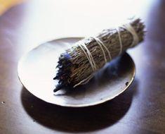 Si necesita protegerse de las malas energías o purificar su cuerpo de enfermedad y negatividad, siga estos 5 rituales.