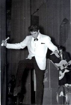 February 25, 1961 at the Ellis Auditorium, Memphis. Two Elvis charity shows.. here, the evening show.