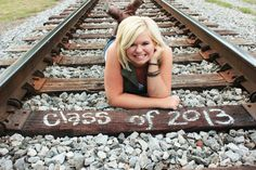 Cutest senior picture idea!!!