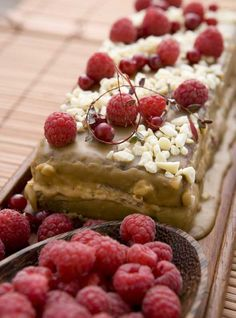 Chocolate rasberry cake/Suklainen vadelmakakku