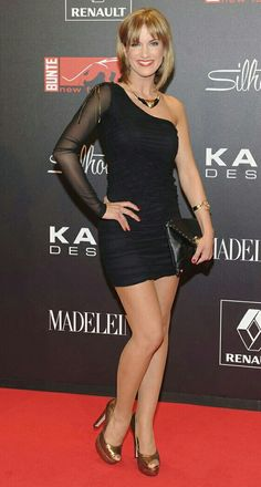 Isabell Horn | Isabella Horn | Bauchfrei, Outfit und Selena