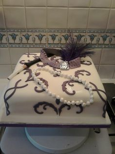 1920's Cake 25th Birthday Parties, 50th Party, Birthday Ideas, Great Gatsby Cake, Great Gatsby Wedding, Roaring 20s Party, Gatsby Party, 1920s Dress Up, 1920s Cake