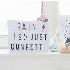 "Gefällt 825 Mal, 10 Kommentare - A Little Lovely Company™ (@alittlelovelycompany) auf Instagram: ""☔Always remember this when you have a rainy day...;-) thx @annezozo #pearlight #lightbox…"""