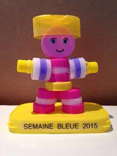 Femme Créative et Maman: Semaine bleue : création avec des bouchons en plas...