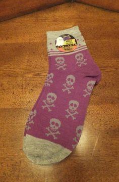 NWT Skull Print Ankle Socks Grey & Purple Fits Adults Sizes 9-11 HALLOWEEN Women
