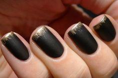 Unhas decoradas francesinha preta e dourada
