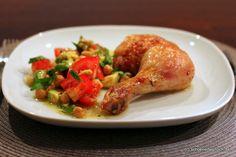 Glasierte Hähnchenkeule mit Kichererbsen-Avocado-Salat
