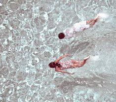 P by Santiago Orjuela Laverde, via Flickr Swimming in The Sea beautiful Ocean Picture Blue Color summer feeling for mood Board style