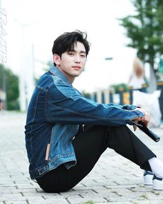"4,851 Likes, 3 Comments - GOT7 (@got7updates_) on Instagram: "";; 170805 JJ Project mini Fanmeeting. This look like a photoshoot. Masternim  . #JJProject…"""
