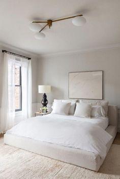 Minimalistischen, modernen dekor Serene Bedroom, Master Bedroom Design, Bedroom Colors, Home Decor Bedroom, Master Suite, Bedroom Designs, Bedroom Neutral, Bedroom Inspo, All White Bedroom