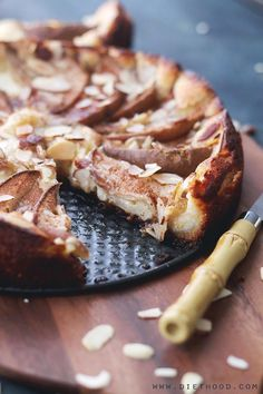 Pear Almond Cheesecake Torte   http://www.diethood.com   Delicious, sweet and silky Pear Almond Cheesecake Torte, prepared with a cream cheese mixture atop an almond-flour crust, and garnished with fresh pears.   #recipe #cheesecake